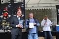I Aquatica KOI Centrum boduje : šťastný majitel pan Pešava přebírá ocenění za 2 první místa ... velká gratulace !!!