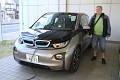Člověk si musí občas udělat radost, ale nový BMW elektromobil? Nebyl by lepší nějaký krásný KOI, když jsme v Japonsku ?