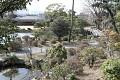 Všude se Vám neskýtají krásné výhledy - a opravdu jen škoda, že zahrada ještě nekvete, třeba odsud by to byl opravdu skvostný pohled ...