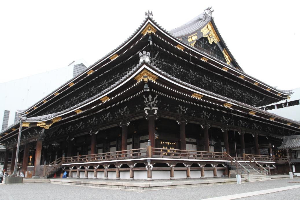 Velice obří dřevěné stavby chrámů v Kjótu ...