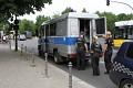 Bohužel - denní realitou evropských měst - jsou i velmi početné policejní hlídky ...