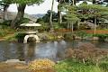 žulové lampy patří do každé japonské zahrady ...