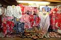 Tradiční kimona - podívejte na ty barvy ...