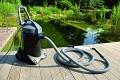 Jezírkový vysavač Pondovac 4 pro pohodlné a efektivní odstranění nečistot z jezírka.