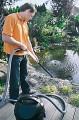 Oase Pondovac Classic vám usnadní čištění jezírka